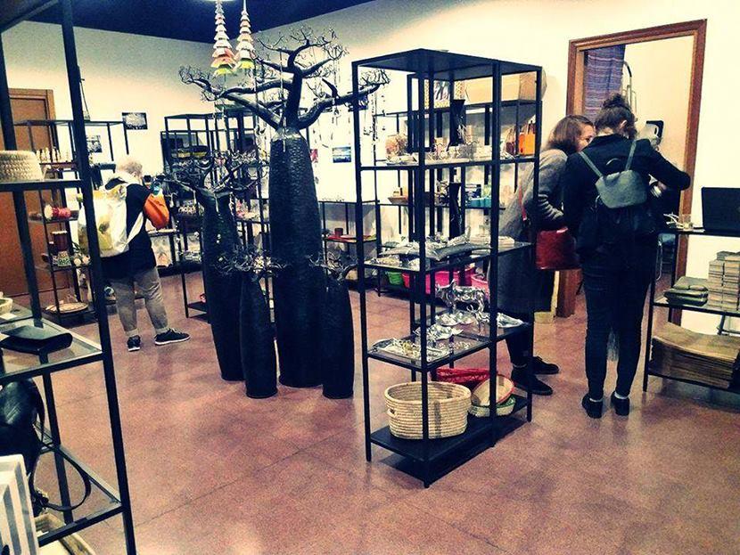 Isola Store: La Bottega del Commercio Equo e Solidale